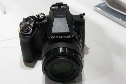 光学50倍ズーム「STYLUS SP-100E」2014年3月後半 5万5千円発売予定